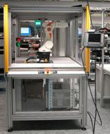 Eine Roboterzelle mit dem Roboter KR5SIXX, realisiert von Straubinger Steuerungselektronik