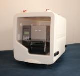 Der TTP-2410M im stabilen Schutzgehäuse