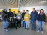 Assistentin der Geschäftsführung Maren Jahnke (r.) mit den Gewinnern. Quelle: Autohaus Heidenreich