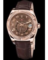 Hier zu sehen ist die Rolex Sky-Dweller 326935 - erhältlich in der TomBoom Luxury Boutique