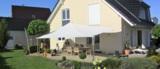 Sonnensegel manuell aufrollbar auf einer Terrasse   Pina Design®