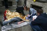 Teilnehmer des ASJ München leisten Erste-Hilfe - Foto: ASB München