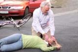 Erste Hilfe am Unfallort mit aktuellem Verbandskasten ausgestattet sein. Foto - ASB- P.Nierhoff