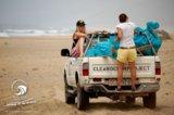 OTRO MODO Surfcamp Fuerteventura Beach Cleaning Juni 2011