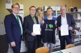 Brockhaus schließt Schulpartnerschaft mit F. -A.-Brockhaus-Gymnasium