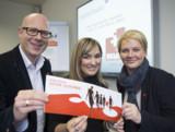Vorstand Mathias Berg, Ann-Kathrin Dahlke und Vorstand Nadin Wöstmann suchen Lebensretter