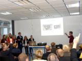 Die Teams präsentierten ihre Geschäftsmodelle der Jury aus regionalen Unternehmern.