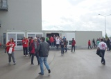 Die ELA Anlage in kieselgrau fügt sich nahtlos in die Stadionkulisse ein.