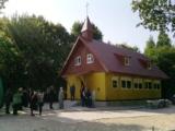 Die erste ELA Kapelle Russlands wurde vor Ort mit einem Spitzdach und Dachgeschoss ausgestattet.