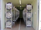 In den ELA-Lagercontainern können bis zu 200 Reifen kühl und trocken überwintern.