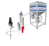 Das AMS Abrasiv Management System mit Schneidkopf, Abrasiv-Dosiereinheit und ABRALINE Advanced