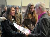 Zertifikatübergabe für erfolgreiche Teilnahme an SchuBS 7. © Dmitry Petrov, Universität Paderborn