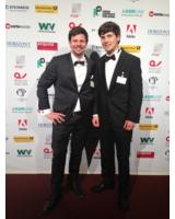 Martin Kahl (l) und André Vogelsang (r) bei der Preisverleihung im Schmidt's Tivoli