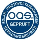 """OQS-Siegel """"geprüfter und zertifizierter Solaranlagen-Reinigungsbetrieb"""" © OQS"""