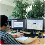 Die Navigation des LKW lässt sich vom Bildschirm aus steuern.