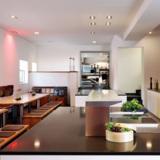 Das edles Ambiente rund um die große Küche sorgt für die besten Ideen