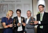 Die Preisträger (v.l.): Nina Lindlahr, Jörn Auf dem Kampe, Jürgen Bischoff und Dr. Benjamin Simstich