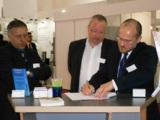 ConhIT 2014: HMDS und Infotecs unterzeichnen den Vertriebspartnervertrag