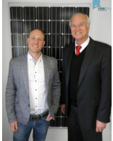 Von Links nach Rechts: Geschäftsführer Bastian Arend und MdB Lothar Binding