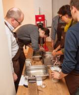 Gemeinsam leckere Bratwürste nach fränkischer Tradition selber machen