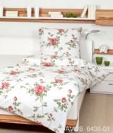 Janine Biber-Bettwäsche mit floralem Dessin aus der aktuellen Kollektion