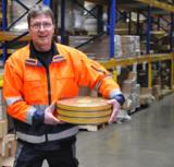 Ist bei Obermann für die Kommissionierung der Kodak-Filmrollen zuständig: Mitarbeiter Ingo Kratzin.