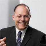 Der Hesse Martin Schweitzer ist gelernter Feinmechaniker und Maschinenbautechniker.