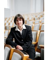 Prof. Dr. Susanne Knorre moderiert die Diskussionsrunde zum Thema Offboarding.