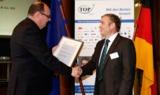 Herr Schmeil(AMF) nahm die TOP-Auszeichnung gerne entgegen. © Boris Streubel Fotografie