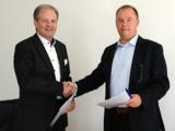 A. Weichbrodt, Vorstand SIV.AG, und S. Scholz, Geschäftsführer procilon GROUP (rechts)