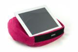 Dieses padRelax iPad Kissen ist in der Farbe Fuchsia mit Punkten im Onlineshop erhältlich.