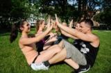 SportyDate Teilnehmer bei der Partnerübung
