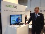 Herr Peter Vorgel, Vorsitzender des Vorstandes der output.ag, am :::(bit)kasten Stand auf der CeBIT