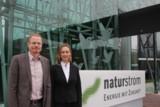 Oliver Hummel, Dr. Kirsten Nölke vor neuem Unternehmenssitz
