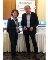Change Congress - Frau Tas (Leiterin Veranstaltungen) mit Slideflight - Herr Kremer (Head of Sales)