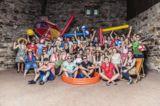 Das Team von Urlaubsguru.de feiert den Erfolg.