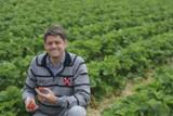 Jörg Umberg ist Obstbauer aus Kirchhellen und verkauft seine Waren nun auch auf GreenFarmer.de
