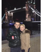 Das LoFi-Paar Bleron Bytyqi und Flawia Leuenberger in London bei Nacht.