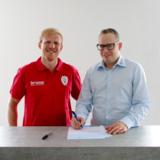 Christian Schenk, Geschäftsführer Sprintis, (r.), mit Steffen Liebler, s.Oliver Würzburg, (l.)