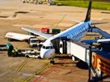 Eine Flugverspätung stellt die Nerven von Passagieren auf die Probe.