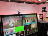 Unser Moderator führt durch den Live-Stream