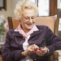 handynutzung senioren scheuen oft vor handys noch zur ck. Black Bedroom Furniture Sets. Home Design Ideas