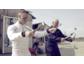 Mr.Rasch tanzt mit Marvin Kirchhöfer für neue Autoteile
